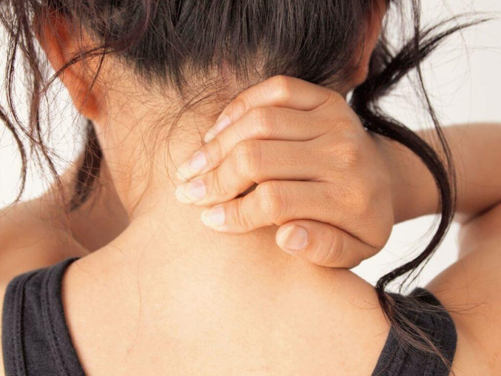 Как лечить боль шею в домашних условиях