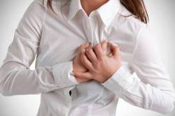 Как проявляется грудной остеохондроз у женщин?
