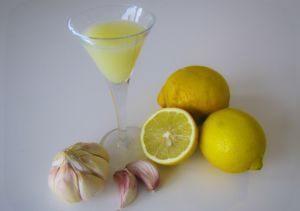 Лимон и чеснок со спиртом
