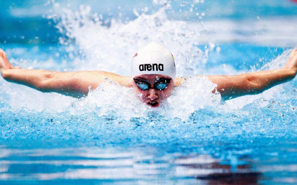 Плавание при шейном остеохондрозе (упражнения в воде)