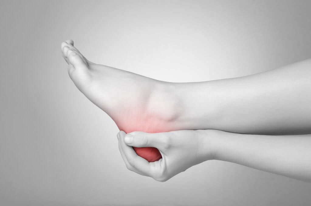 Шпора на ноге, симптомы и лечение